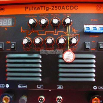 Сварочный инвертор REDBO Pulse Tig 250 AC/DC цена 48750 руб Москва