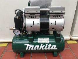 Компрессор бесшумный Makita MAC BW 180